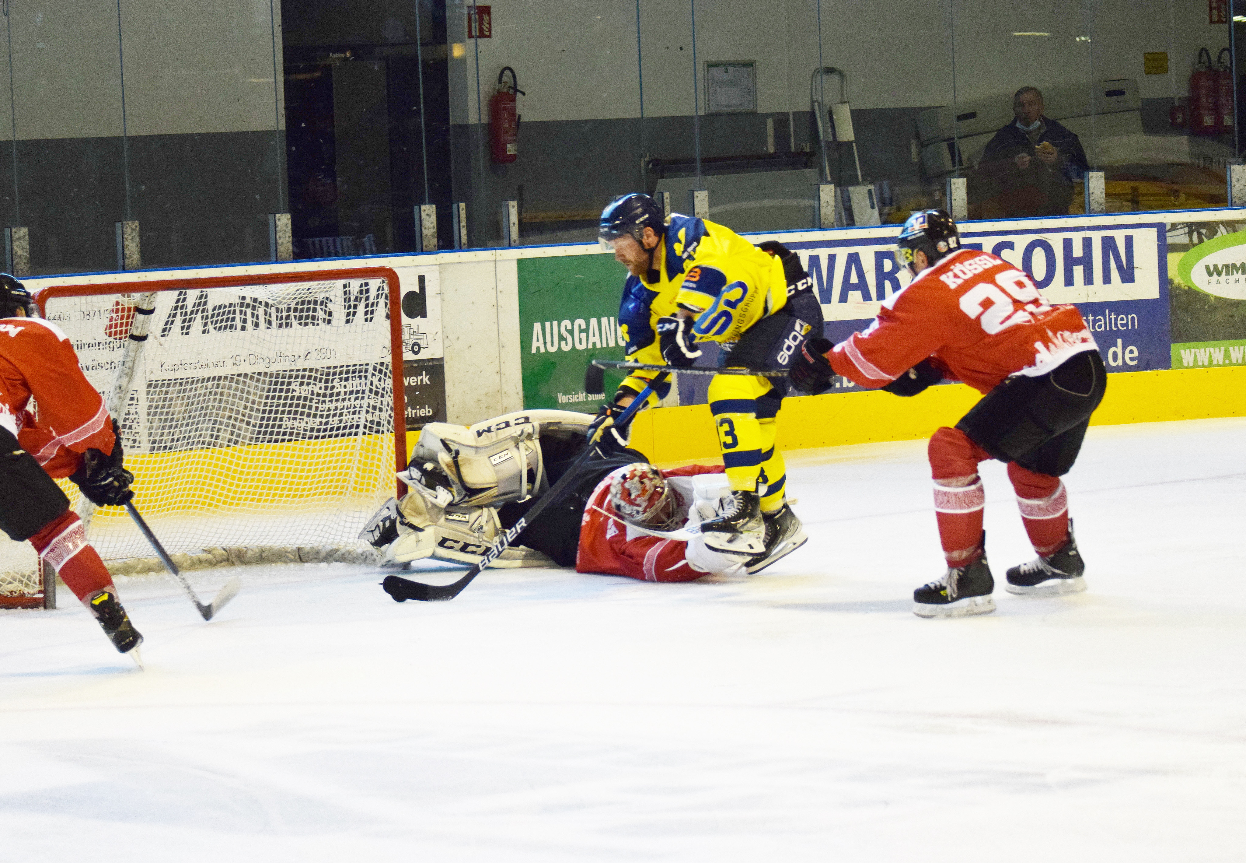 Christian Neuert mit einem seiner drei Tore gegen Dingolfing